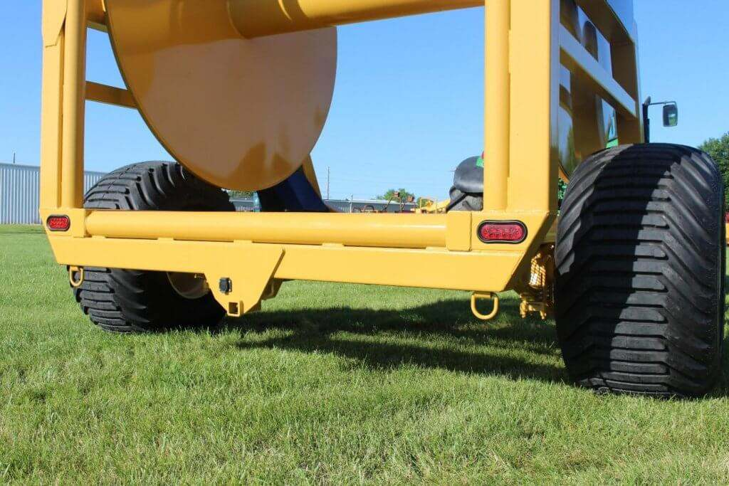 1810 Manure Injection Hose Reel with Single Axle Flotation Tires