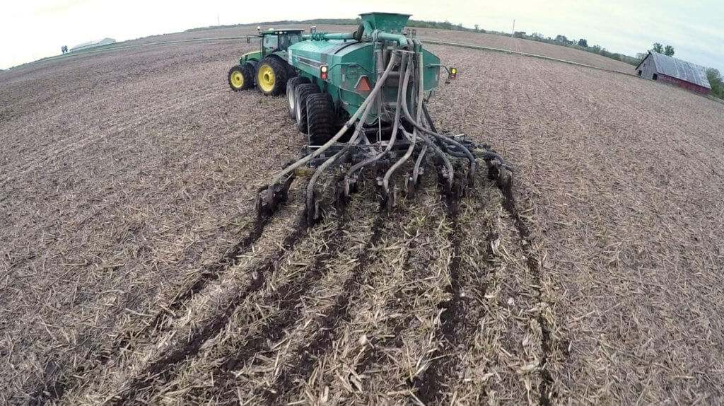 Ground Tracker Series Manure Application