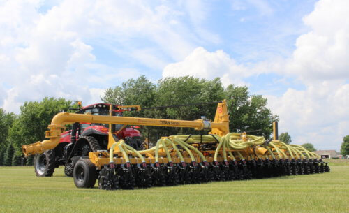Titan Series Manure Injection Toolbar in Field