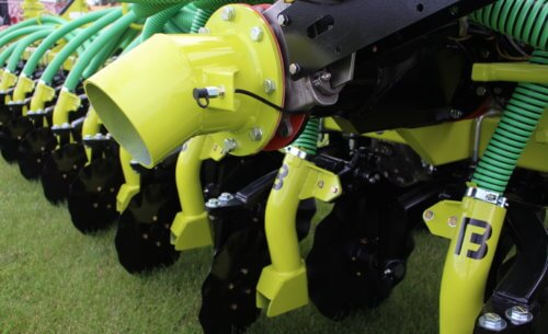 Titan Series Manure Injection Toolbar with Green Tubes